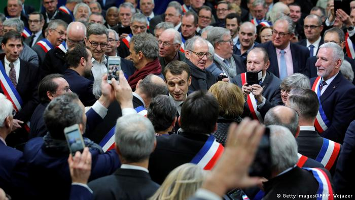 Frankreich Macron Auftakt Bürgerdebatte in Grand Bourgtheroulde (Getty Images/AFP/P. Wojazer)