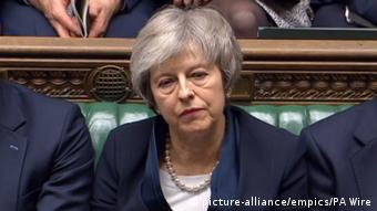 Brexit Theresa May nach Abstimmungsniederlage (picture-alliance/empics/PA Wire)