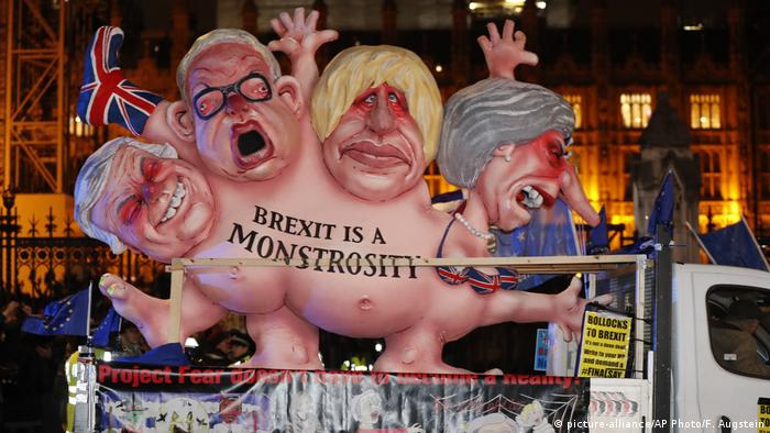 London Brexit Protest Monster Nachts (picture-alliance/AP Photo/F. Augstein)