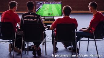 Deutschland e-sports in Hamburg (picture-alliance/dpa/A. Heimken)