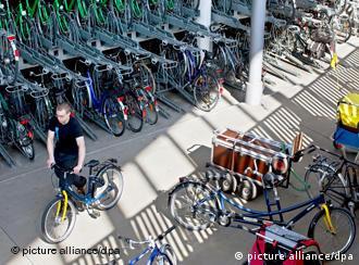 Fahrradparkhaus in Münster, Foto: dpa