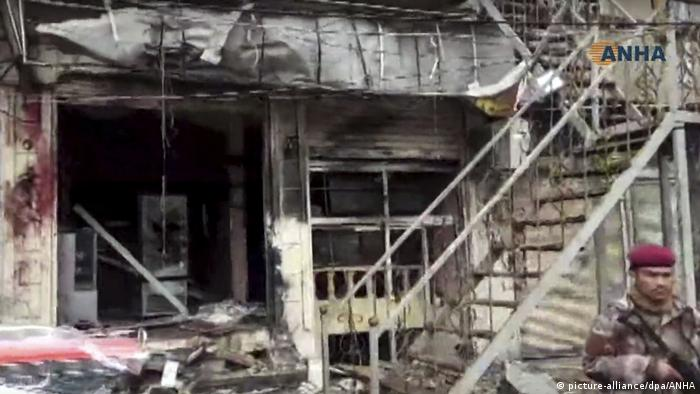 Restaurant targeted in Manbij bomb attack (picture-alliance/dpa/ANHA)