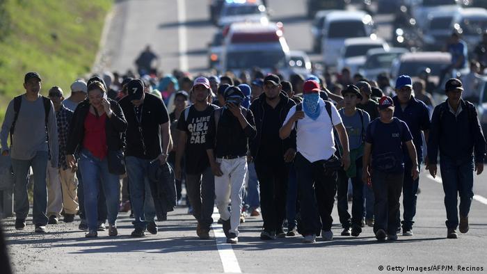 Migrantes salvadoreños en una caravana hacia EE. UU. (16.01.2019).