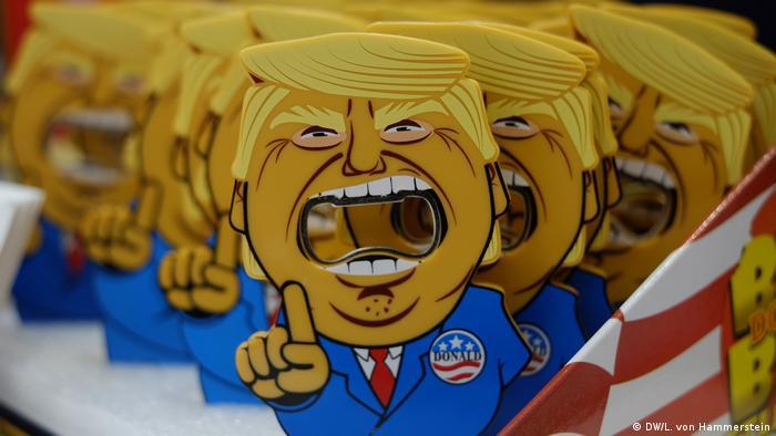 Abridor de garrafas, um dos diversos souvenirs inspirados em Donald Trump