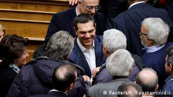 «Ο Τσίπρας εκμεταλλεύεται το Μακεδονικό για να αναδιαμορφώσει το πολιτικό τοπίο»