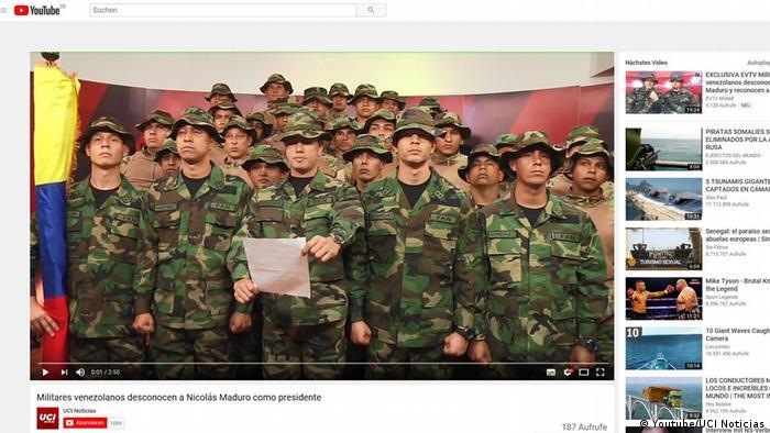 Grupo de militares venezuelanos durante declaração em que refutam o governo do presidente Nicolás Maduro