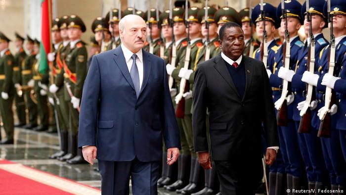 Presidente da Bielorrússia, Alexander Lukashenko, recebeu homólogo zimbabueano, Emmerson Mnangagwa, em Minsk