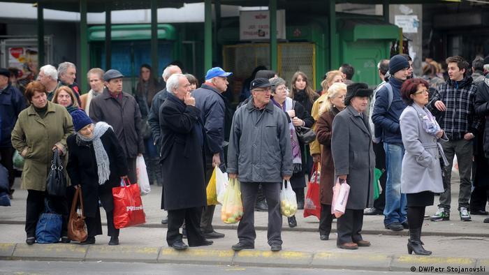 Mazedonien Skopje Passanten