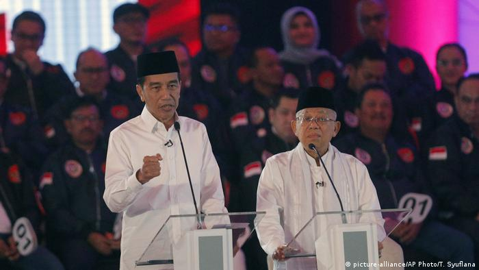 Indonesien Präsidentschaftsdebatte vor den Wahlen (picture-alliance/AP Photo/T. Syuflana)
