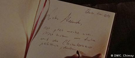 Unsere Reporterin Carolina Chimoy schriebt ein Brief für Alexander von Humboldt.