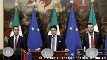 Italien Rentenreform Rom PK (picture-alliance/AP Photo/R. Antimiani)