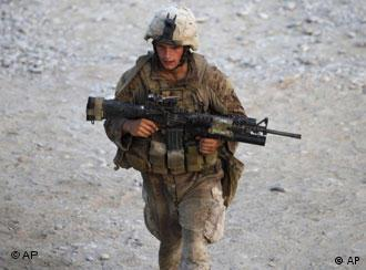 Ein US-Soldat in Afghanistan (21.09.2009/AP Photo/Brennan Linsley)