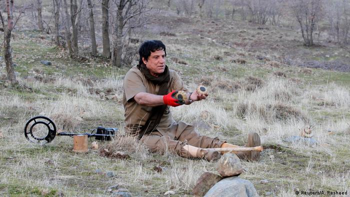Irak - Der Doppelamputierte Hoshyar Ali Räumt Minen im Irak (Reuters/A. Rasheed)