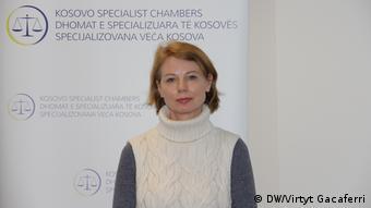 Angela Griep, Leiterin Abteilung für Information und Kommunikation der Öffentlichkeit Kosovo (DW/Virtyt Gacaferri)