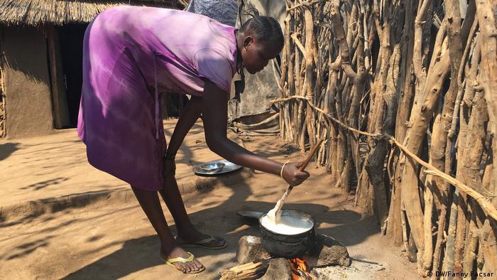 Une jeune mère dans un camp de réfugiés en Ethiopie