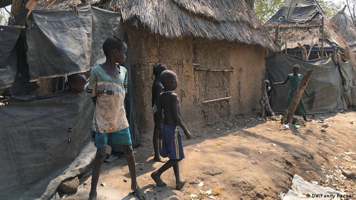Kinder in einem Flüchtlingslager in Äthiopien nahe der Grenze zum Südsudan