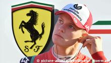 Fotomontage Mick SCHUMACHER und Ferrari (picture-alliance/SvenSimon/F. Hoermann)