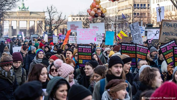 Women's marches draw thousands in Europe, US and around the world