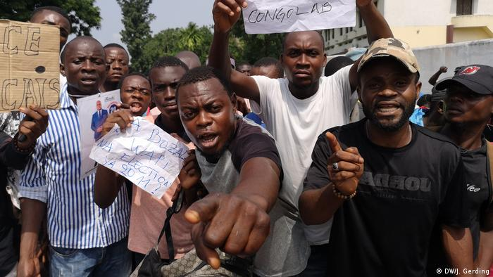 Fiston Kibongo ist Anhänger von Tshisekedi und sauer auf internationale Einflussnahne auf den Wahlprozess im Kongo