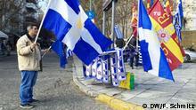 Athen Protest gegen Einigkeit im Mazedonien Konflikt Flaggenverkäufer