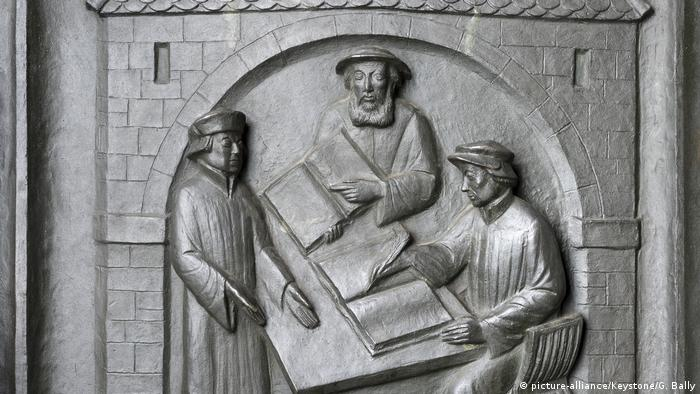 Zwingli depicted on Zurich's southern church portal (picture-alliance/Keystone/G. Bally)