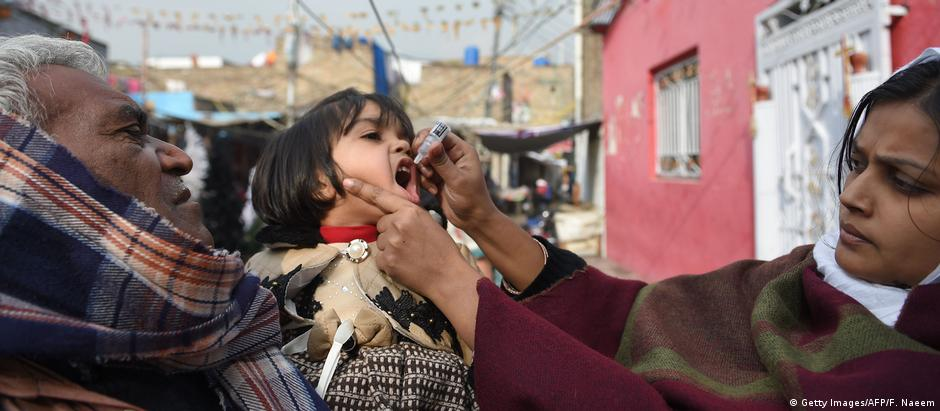 Pakistan Polio Impfung (Getty Images/AFP/F. Naeem)