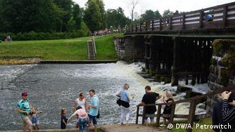 Туристы на Августовском канале в Гродно
