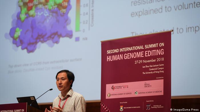 He Jiankui speaking at the Human Genome Editing conference in Hong Kong in November 2018 (Imago/Zuma Press)