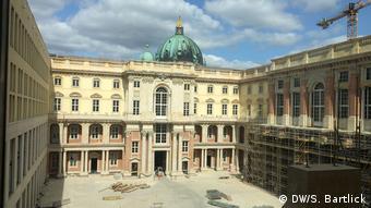 Der barocke Schüterhof im wieder errichteten Berliner Stadtschloss (DW/S. Bartlick)