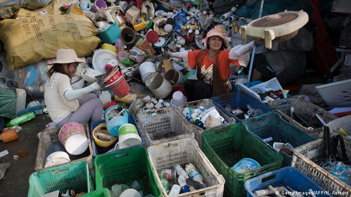 Sorting plastic waste in China