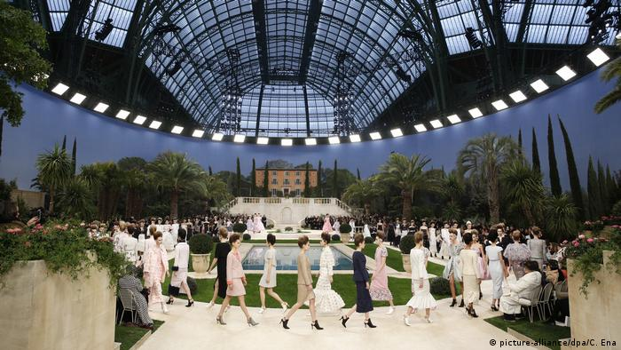 Показ мод Chanel