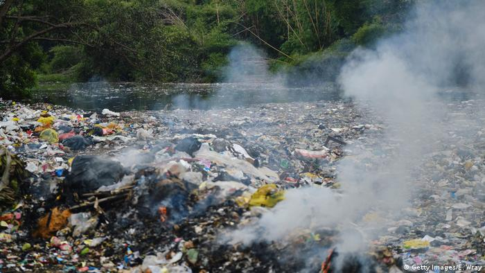 Plastikmüll in Indonesien (Getty Images/E. Wray)