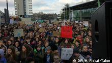 Schülerinnen und Schüler demonstrieren gegen den Klimawandel