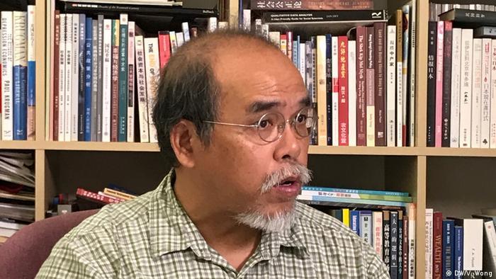 Professor Chung Kim Wah (DW/V. Wong)