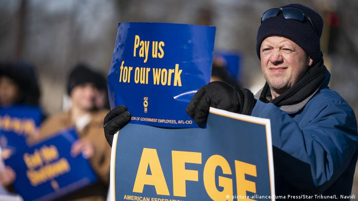 USA Shutdown Betroffene | Angestellter FDA, Lebensmittelkontrolle (picture-alliance/Zuma Press/Star Tribune/L. Navidi)