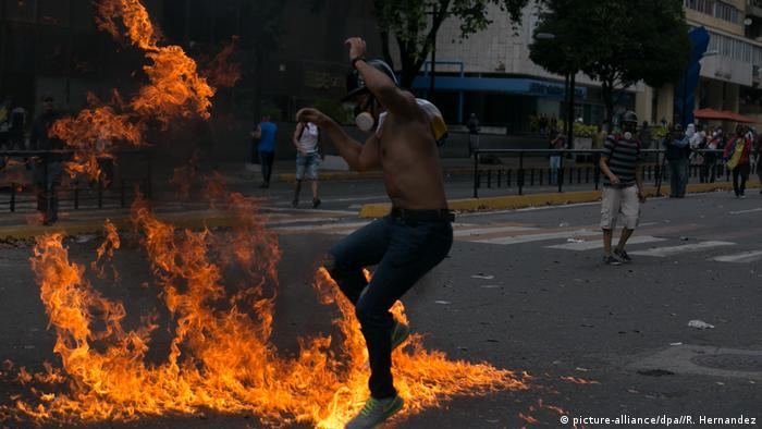 Venezuela Proteste in Caracas (picture-alliance/dpa//R. Hernandez)