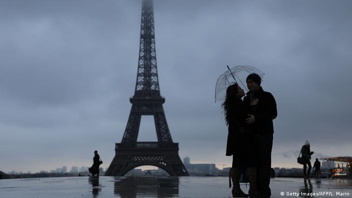 Paris exige multa milionária do Airbnb