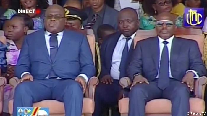 DR Kongo scheidender Präsident Joseph Kabila neben Nachfolger Felix Tshisekedi während einer Einweihungsfeier in Kinshasa