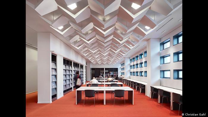 Blick in die Bibliothek des neuen alten Kulturpalastes von Dresden (Christian Gahl )