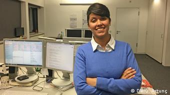DW reporter Jenipher Camino Gonzalez