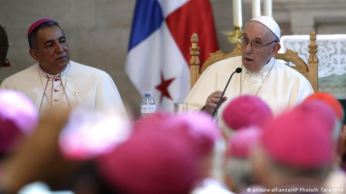 Weltjugendtag Panama 2019 | Bischof Jose Domingo Ulloa und Papst Franziskus