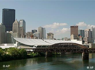Pittsburgh Convention Cener mit Skyline der Stadt (Foto: ap)