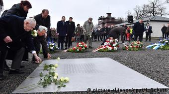 Contemporary witnesses lay down wreaths and flowers at Buchenwald memorial 2018