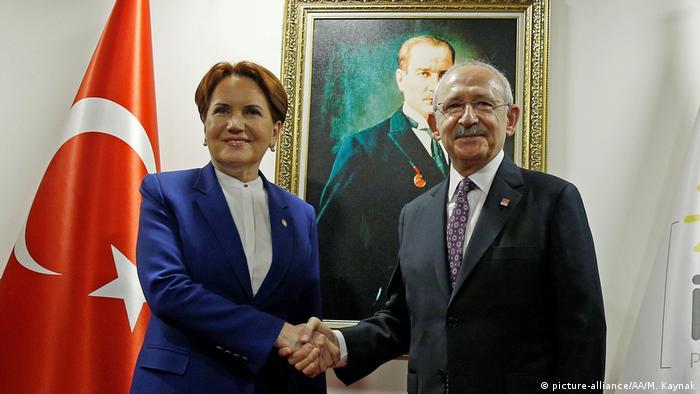 Türkei Ankara Bündnis Kilicdaroglu (R) Aksener