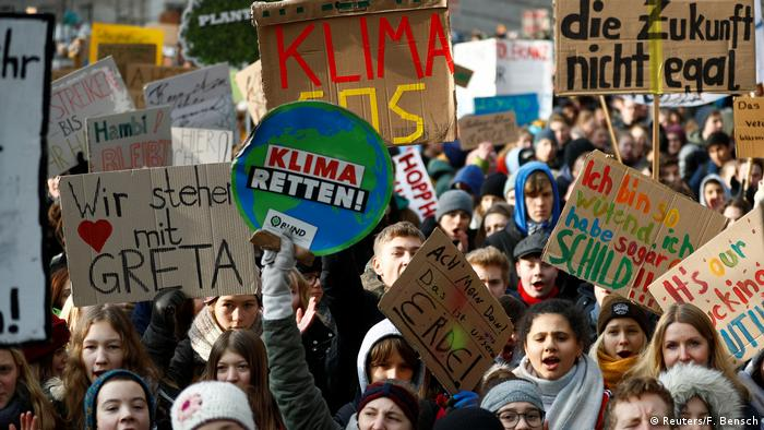 Students in Berlin protest against climate change (Reuters/F. Bensch)