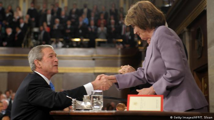USA Präsident George W. Bush und Nancy Pelosi (Getty Images/AFP/T. Sloan)