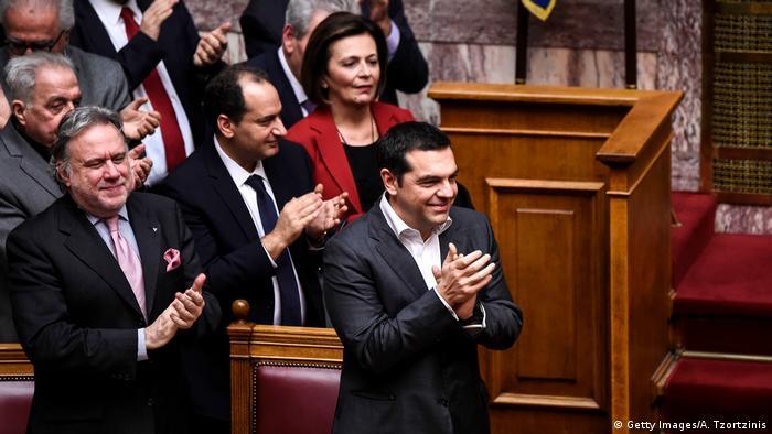 Griechenland Jubel nach der Abstimmung im Parlament zur Namensänderung des Nachbarlandes
