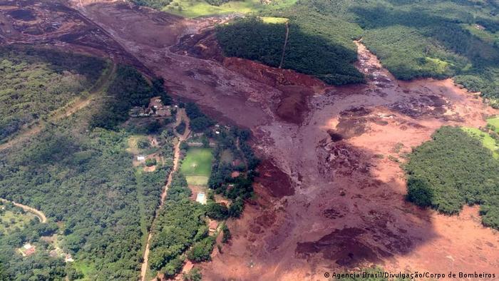 Barragem da Vale se rompe e atinge comunidade em Brumadinho