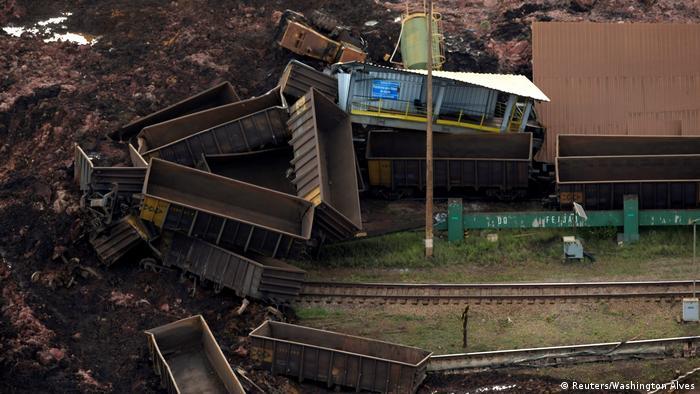 Тим часом суд заморозив понад три мільярди доларів США на рахунках компанії Vale, які планується спрямувати на компенсацію завданої шкоди. Міністерство охорони довкілля Бразилії наклало на Vale штраф у розмірі 250 мільйонів реалів (58 мільйонів євро).