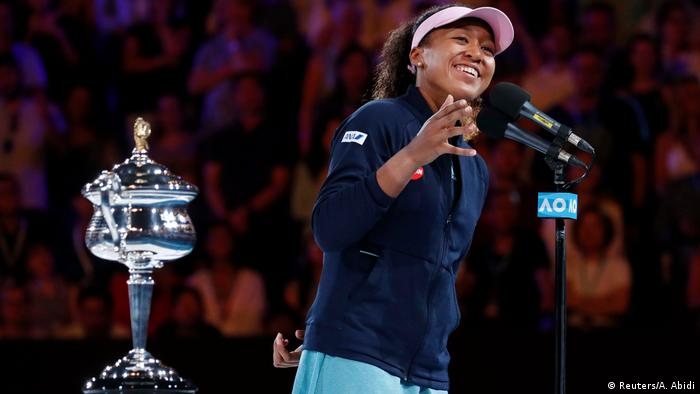 Naomi Osaka gives a speech after winning Australian Open (Reuters/A. Abidi)
